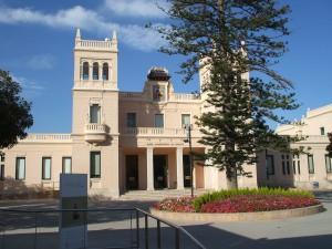 El museo arqueológico MARQ. L'Alacantí. Car Hire
